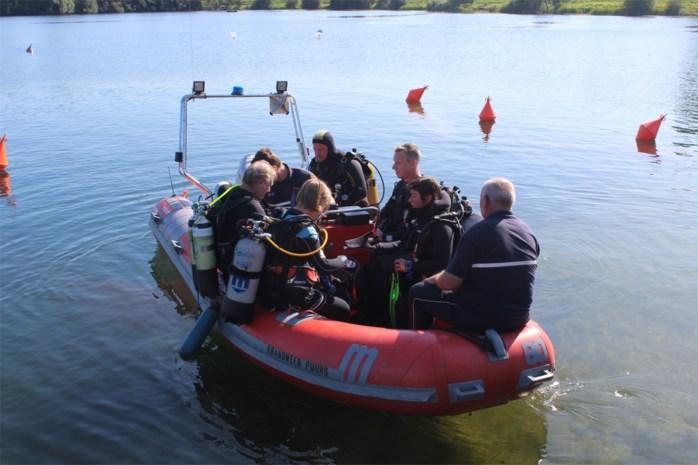 300 duikers gaan kopje-onder in De Nekker voor De Warmste Duik