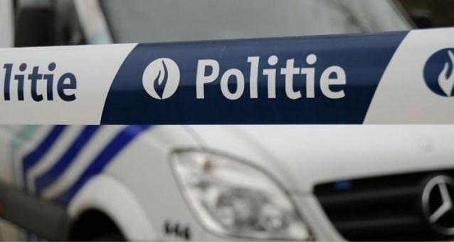 Achtervolging aan 160 km/u: bestuurder slaat op de vlucht voor Antwerpse politie en belandt in Aartselaar in de gracht