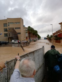 "Noodweer in Spanje treft ook Waaslander: ""Geen idee wanneer ik naar huis kan"""