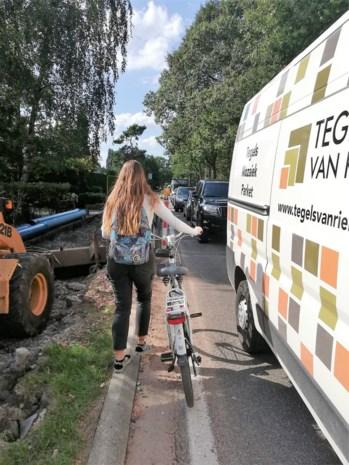Toch extra maatregelen om fietsers veilig langs werf Elshoutbaan te leiden
