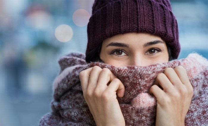 Wit, met ruiten of patchwork: dit zijn de sjaals van het seizoen