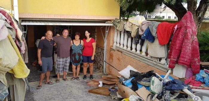 """Noodweer Spanje: """"Veel mensen hebben totaal niets meer. Geen huis, geen bed, geen kleren"""""""