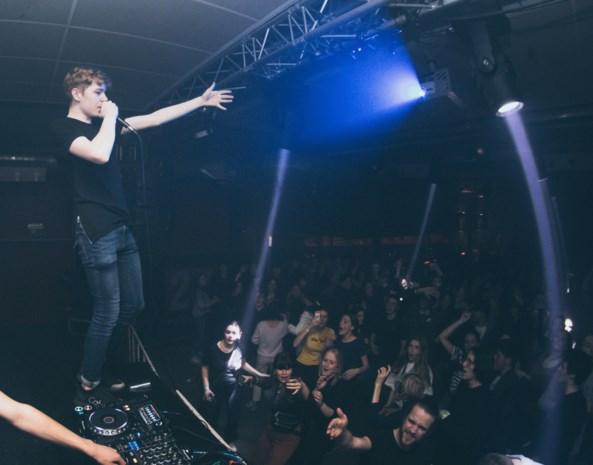 """David (16) timmert als dj aan de weg na optredens op Tomorrowland en in Carré: """"Ik wil laten zien wat ik in mijn mars heb"""""""
