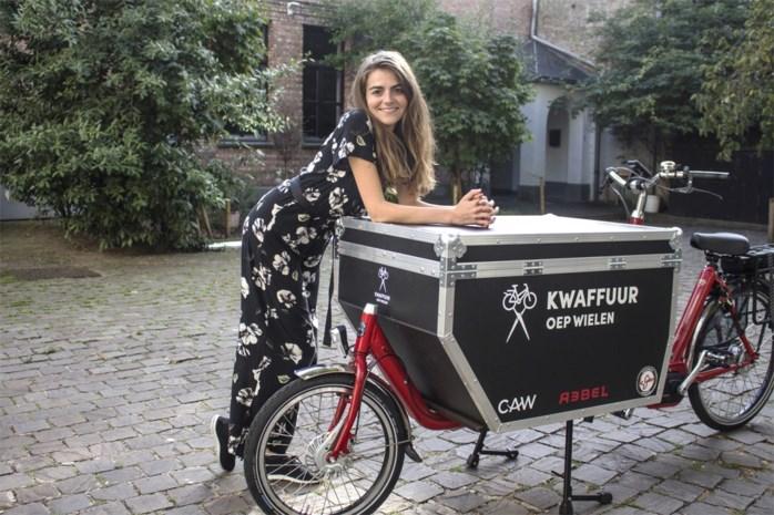 'Kwaffuur Oep Wielen' knipt  gratis haar van Antwerpse daklozen