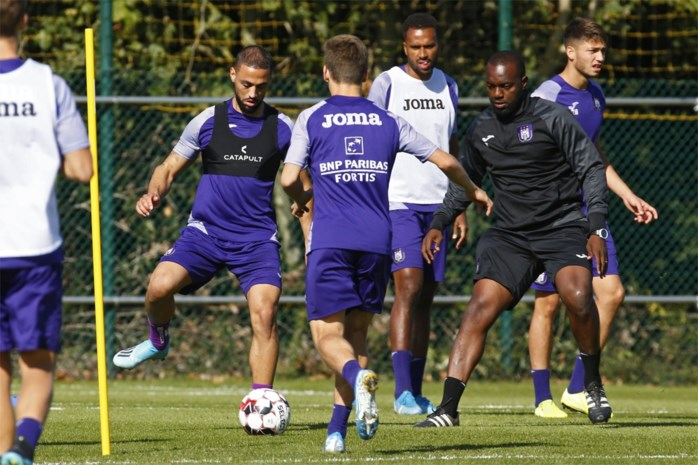Waarom Anderlecht nieuwe spits Roofe wellicht nog niet laat starten tegen Club Brugge