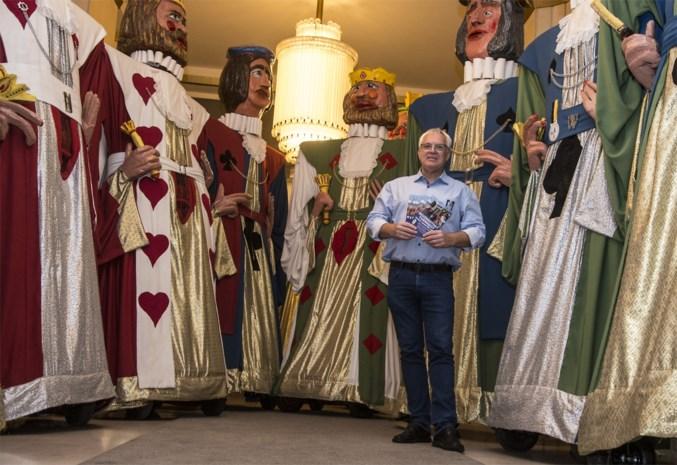 """Turnhoutse Reuzenclub viert verjaardag met unieke stoet: """"Zolang het hoofd blijft bestaan, sterft een reus niet"""""""