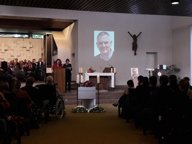 "600 man op uitvaart verongelukte motard Wim Staessens: ""Mama zal niks tekortkomen"""