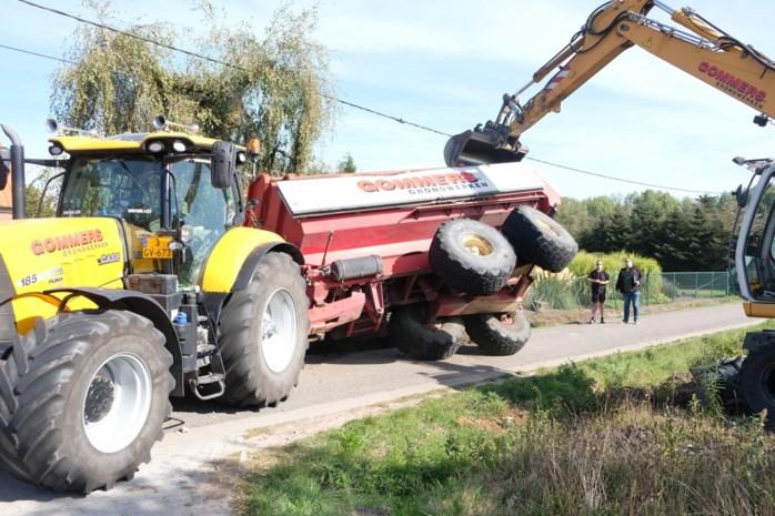 """Aanhangwagen gekanteld, voortuin verwoest: """"Deze weg is veel te smal"""""""