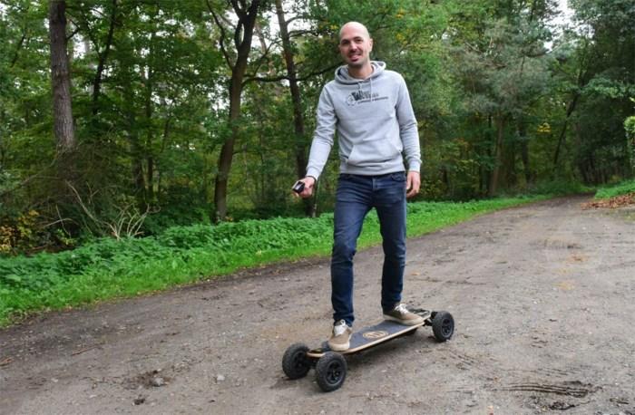 Met een elektrisch skateboard door  de bossen van de Antwerpse Kempen