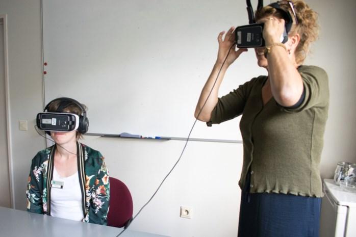 Medewerkers Ten Kerselaere 'ervaren' dementie met VR-bril