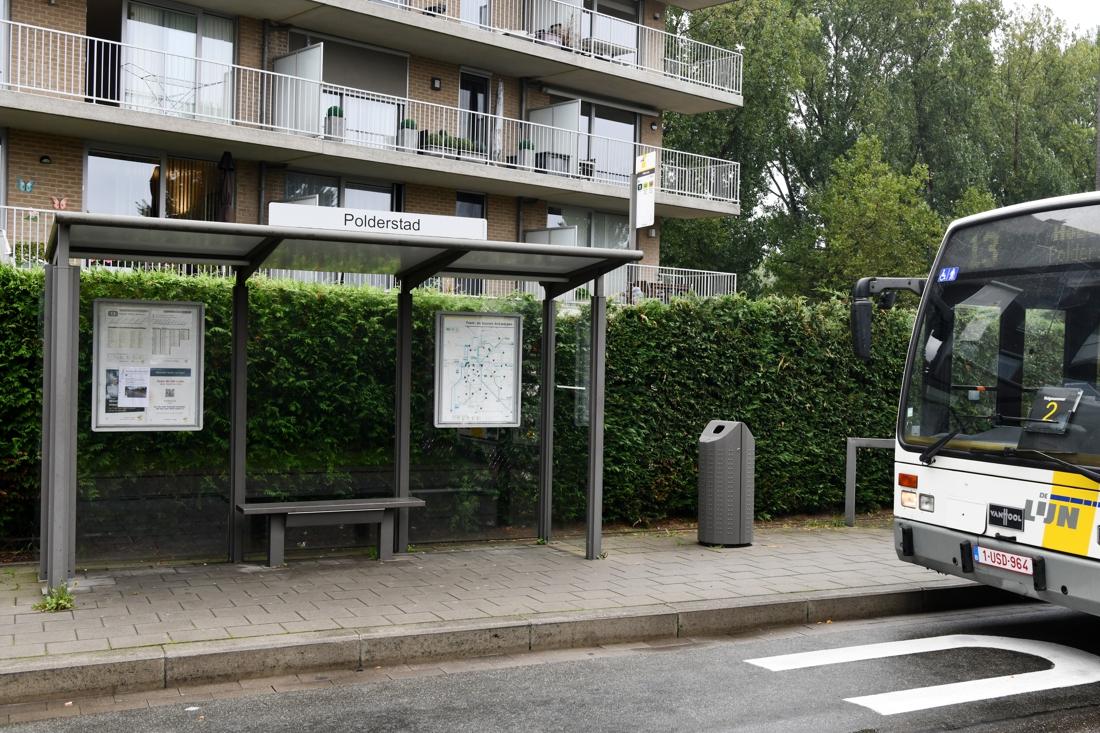 """Bushalte Polderstad verplaatst door klachten bewoners en """"aanhoudende agressie"""" - Gazet van Antwerpen"""
