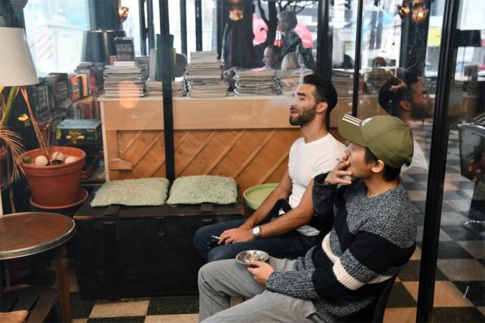 DISCUSSIE. Moet roken ook in aparte rookruimtes verboden worden?