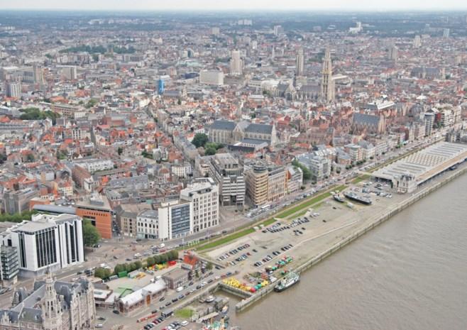 Vlaams regeerakkoord ontmijnt Antwerps politiek conflict over sociale woningen