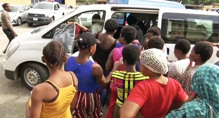Veertig vrouwen ontsnappen aan de 'babyfabrieken' van Nigeria