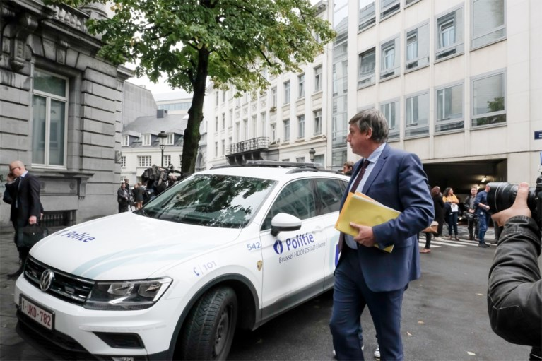 Vlaams Parlement ontruimd na bommelding