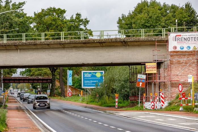 Leuvensesteenweg vijf dagen afgesloten om spoorwegbrug te renoveren