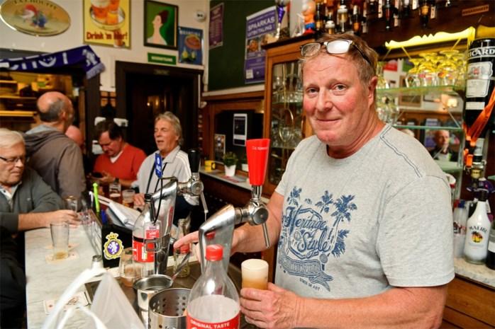 Uw krant sprokkelt in supporterscafé reacties op het ontslag van Beerschotcoach Vreven