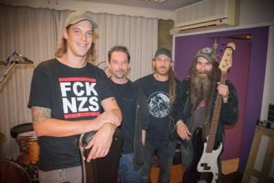 Heistse punkband The End of Ernie viert 30ste verjaardag in Hnita-Hoeve
