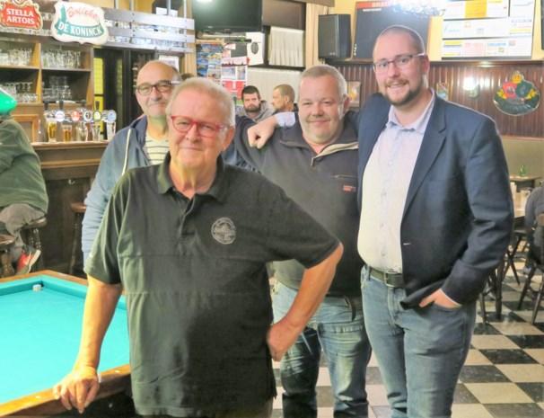 """Stamgasten willen volkscafé redden: """"Den Breughel is van ons en van heel Schoten"""""""