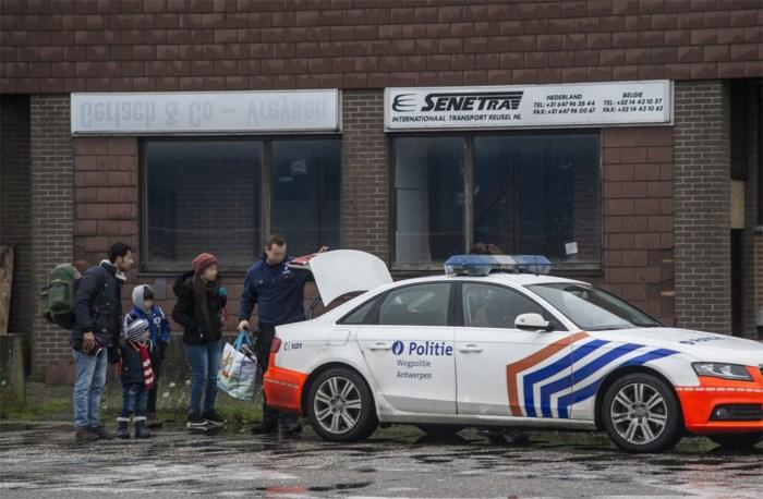 Drie mannen opgepakt voor mensensmokkel: Kempense burgemeesters blij met geïntegreerde aanpak van probleem transmigranten