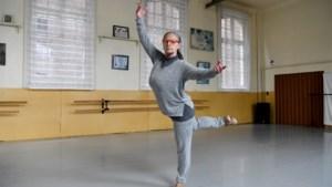 """Ex-soliste blikt terug op 50 jaar Ballet Vlaanderen: """"Ik heb er de pannen van het dak gedanst"""""""