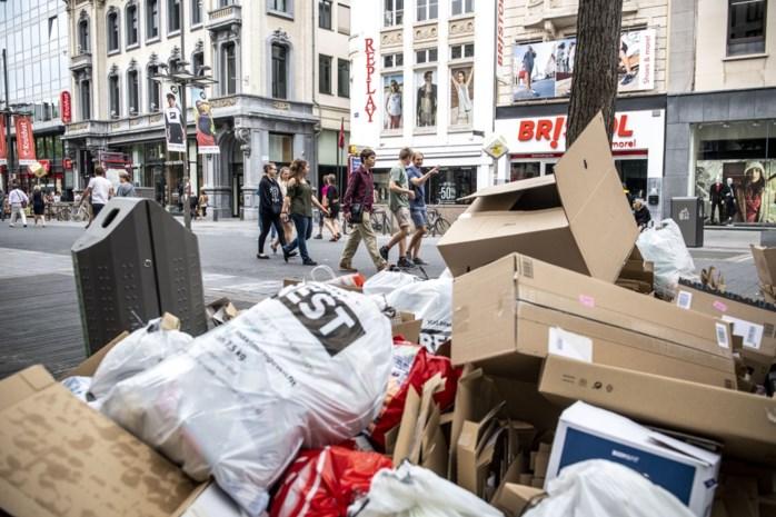 """Winkeliers tevreden met afvalophaling op feestdagen: """"Hier vragen we al lang een oplossing voor"""""""