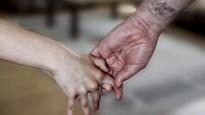 """Vrijwilligster Punt.vzw praat over haar verleden van incest: """"Thuis was dat normaal, ook voor mijn moeder"""""""
