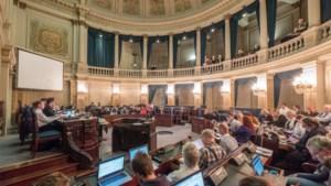 Gemeenteraad geeft zichzelf maximale vergoeding van 213,33 euro