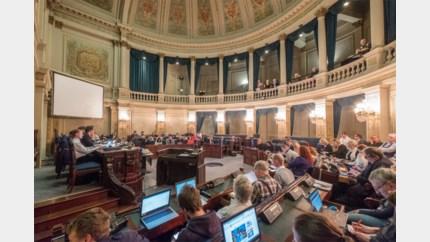 Gemeenteraad geeft zichzelf maximum vergoeding van 213,33 euro