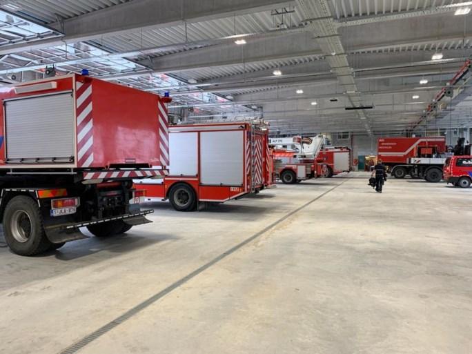 Brandweer verhuist met indrukwekkende colonne naar nieuwe kazerne