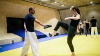 """Schoonvader vermoorde Julie Van Espen geeft cursus zelfverdediging aan UA: """"Spugen is heel efficiënt om de aandacht af te leiden"""""""