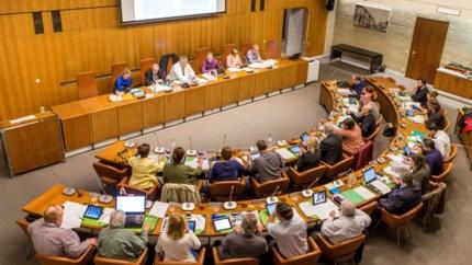 """Lonen districtsschepenen stijgen en zitpenningen raadsleden verdubbelen: """"Zelfbedieningspolitiek"""""""