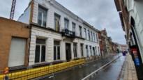 Wegens instortingsgevaar blijft Walburgstraat nog week afgesloten voor autoverkeer