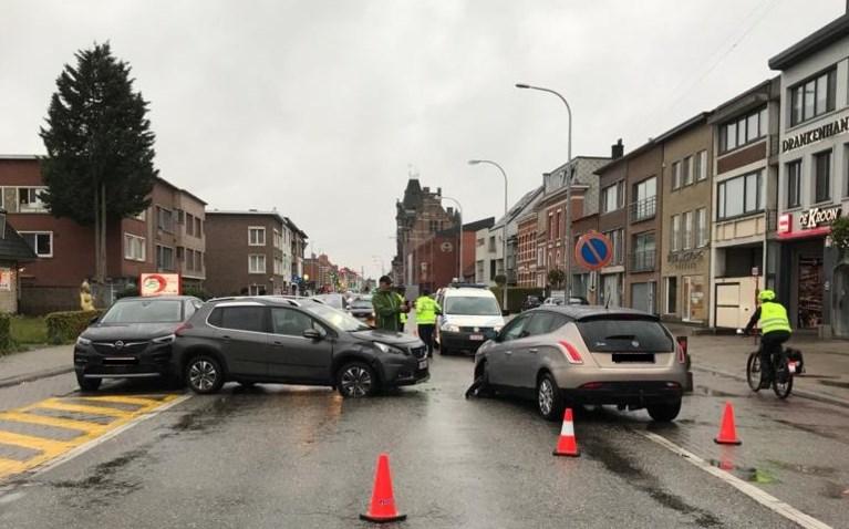 Verkeershinder door botsing met blikschade