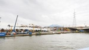 Eerste van drie nieuwe bruggen aan Sportpaleis wordt zondag geplaatst