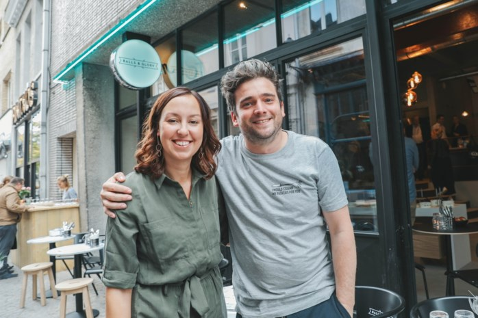 Mechelse Balls & Glory geopend: foto van majorettebenen krijgt plaats in restaurant
