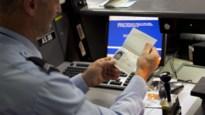Van zware verkeersagressie verdachte Antwerpenaar opgepakt in luchthaven Schiphol