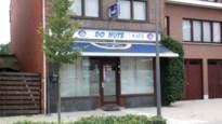 Overvallers bedreigen cafébaas met een mes en kunnen ontkomen aan politie