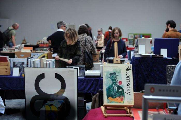 """Zesde editie van Antwerp Academy Art Book Fair: """"Dit is een soort supermarkt voor liefhebbers van kunstboeken"""""""