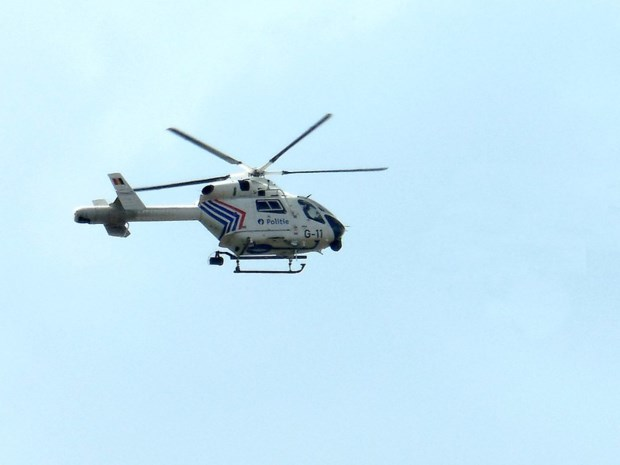 Politiehelikopter zoekt mee naar inbreker in Ekeren