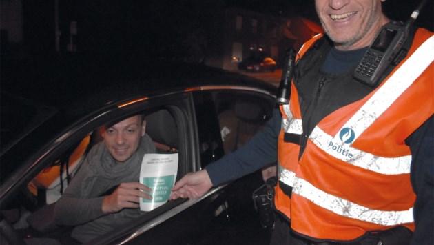 Positieve flitsactie: politie beloont keurige automobilisten