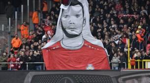 IN BEELD. Hairemans wordt nog steeds op handen gedragen door Antwerpse fans