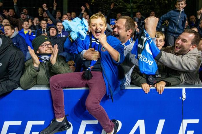"""Milan (11) en zijn papa in extase dankzij truitje van Ruud Vormer: """"Al een jaar lang probeerden we zijn aandacht te trekken"""""""