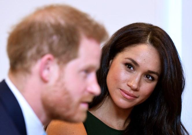 """Prins Harry en Meghan Markle ongezien openhartig over ruzie met broer William en pijnlijke herinneringen aan moeder Diana: """"Ik was te naïef"""""""