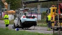 Drie agenten zwaargewond na crash met vuilniskar