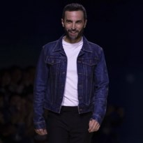 Ontwerper Nicolas Ghesquière is boos op Louis Vuitton