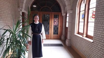 """Nieuwe abdis Brechtse Trappistinnen wil klooster openstellen: """"De abdij is te groot voor ons"""""""