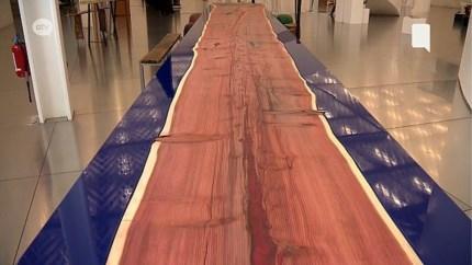 Een van de grootste tafels ooit gemaakt nu te bezichtigen in Antwerps provinciehuis