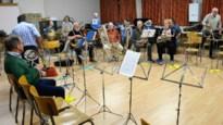 Putse fanfare stopt na 129 jaar: gebrek aan muzikanten doet vereniging de das om