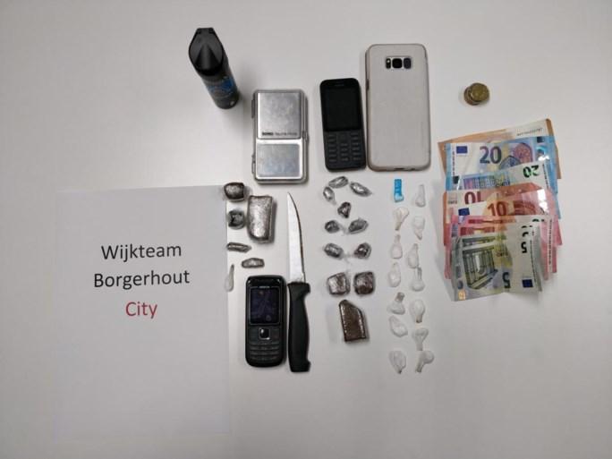 Drugsdealers rijden rond op gestolen bromfiets in Wilrijk